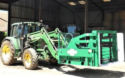 Spread-a-Bale launches big round bale self-loading spreader
